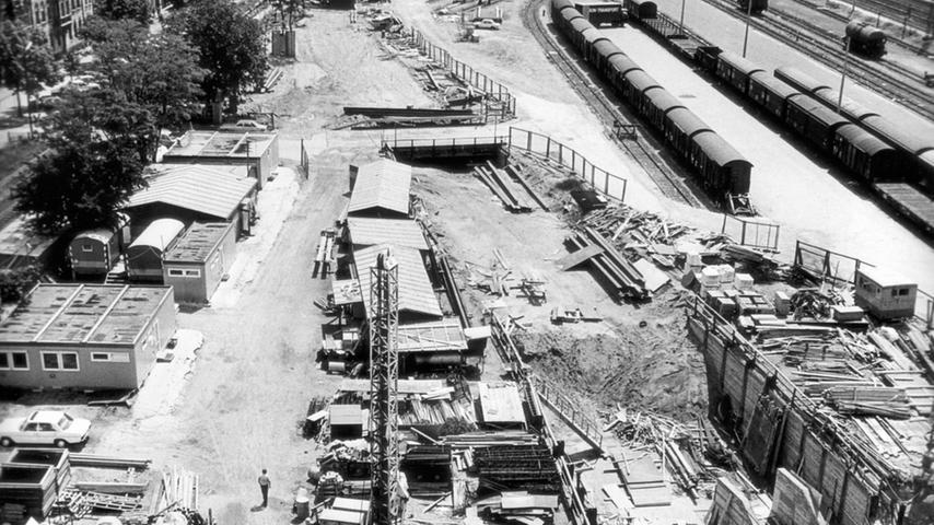 Dieses Foto entstand 1980 beim Bau nahe des Fürther Hauptbahnhofes.