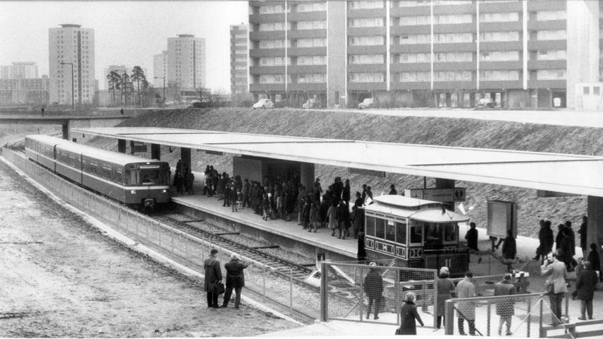 Nach knapp fünf Jahren Bauzeit, am 1. März 1972, war es dann soweit.