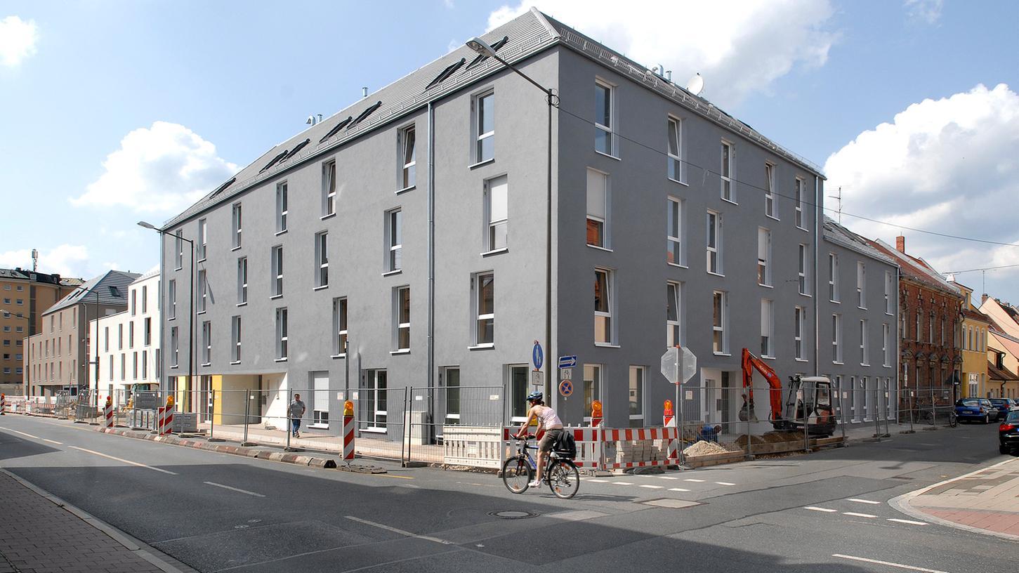 Bezahlbarer Wohnraum für Studenten in Erlangen ist knapp, Plätze in den Studentenwohnheimen wie hier in der Henkestraße sind daher begehrt.