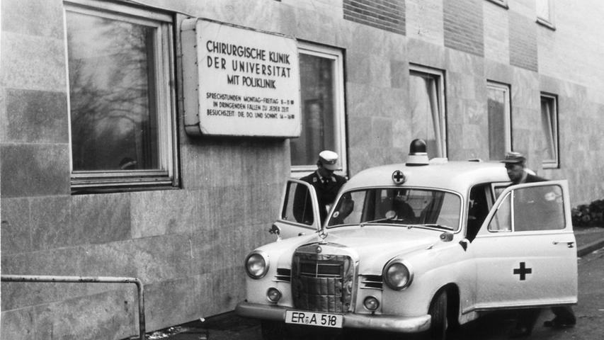MOTIV:die alte kinder klinik kurz vor dem abbruch im jahr  1960...RESSORT:erlangen EN..DATUM:..PHOTO:ohne honorar..