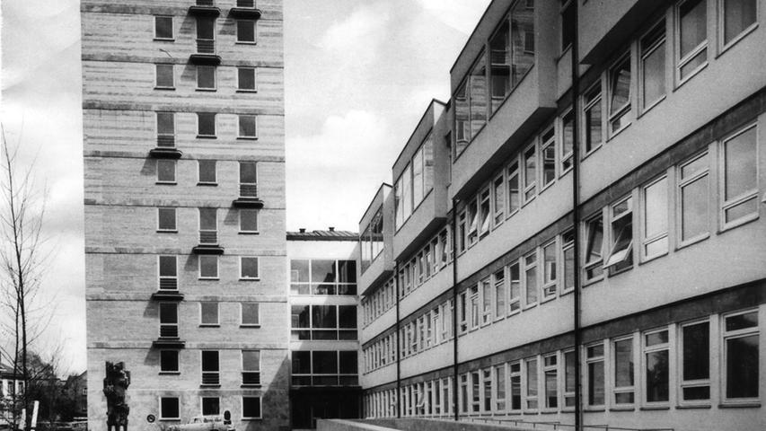 Motiv: Luftbild - Uniklinikum.Ressort:Erlangen.Foto: Bernd Böhner, 2002