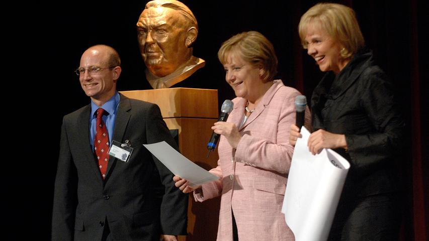Im Jahr 2007 besuchte die Bundeskanzlerin Fürth. Dort verlieh sie den Ludwig-Erhard-Preis.