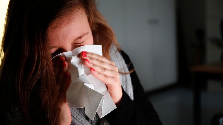 Bei der Flut von Progesteron, die im Körper arbeitet, können sich Viren und Bakterien besser ausbreiten. Eine Erkältung, die vor der Schwangerschaft kein großes Problem gewesen wäre, könnte Sie kurz nach der Empfängnis außer Gefecht setzen.