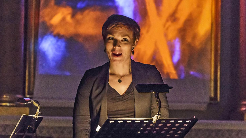 """In zwei Uraufführungen, Lorenz Trottmanns """"Lilith"""" und Dorothea Hofmanns """"Hulda"""", erwies sich Mezzosopranistin Solgerd Isalv als Musica-Nova-Interpretin von staunenswertem Format."""