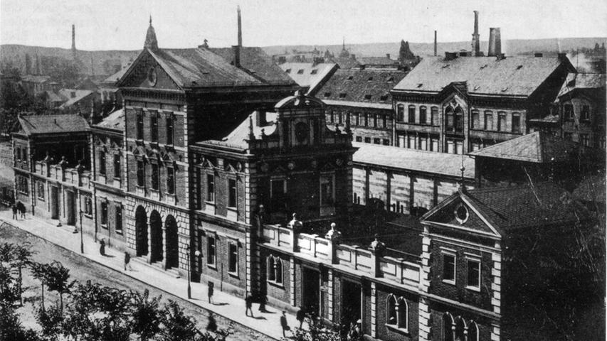 Der stattliche Ludwigsbahnhof wurde 1835 eröffnet und 1938 abgerissen.