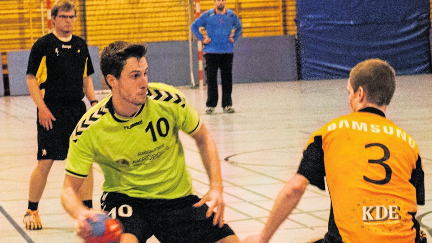 Kilian Kiesel (Nummer 10) erzielte drei Treffer für den HC Forchheim, insgesamt reichte es gegen verstärkte Erlanger aber nicht.