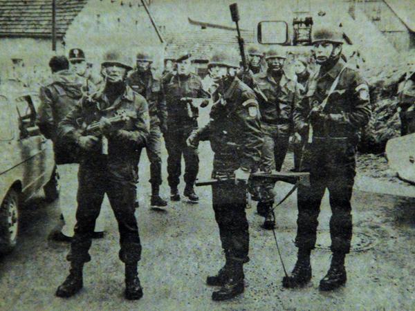 Die Spezialeinheiten rückten schwer bewaffnet an.