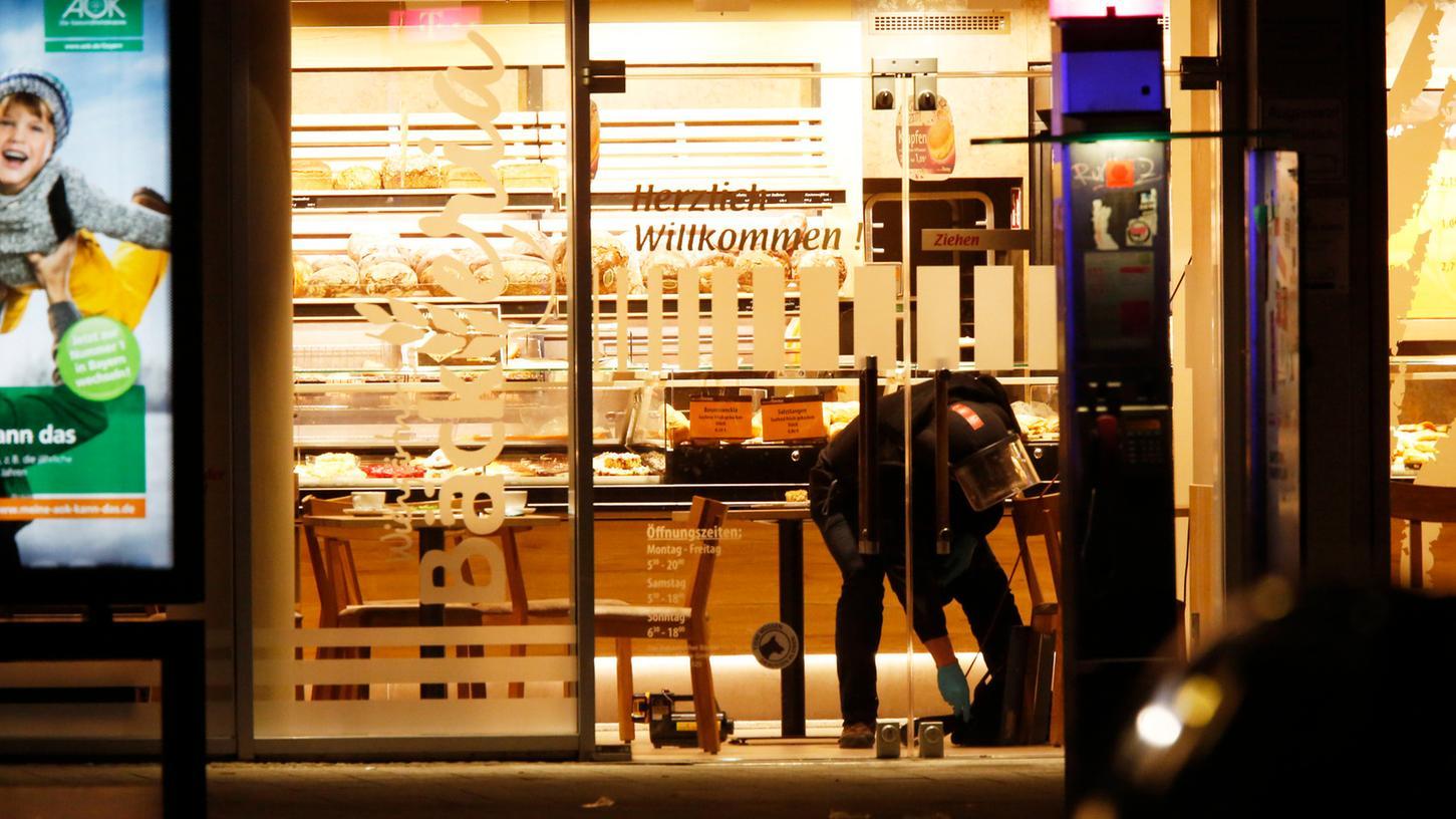 Spezialkräfte aus München durchsuchten die verdächtige Tasche, konnten jedoch keinen Sprengstoff finden.
