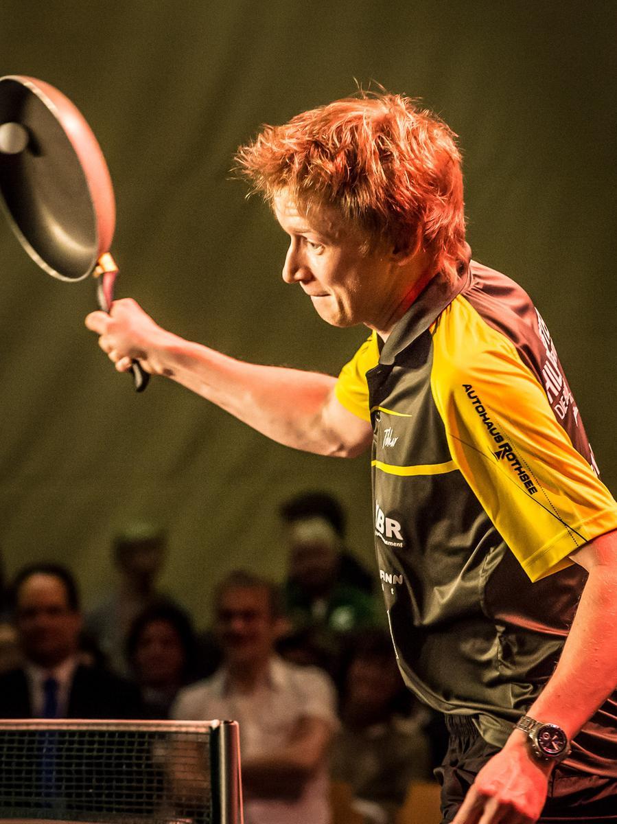 Alexander Flemming von der Tischtennisabteilung des TV Hilpoltstein kann sogar mit einer Bratpfanne spielen.