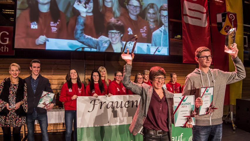 Die Fußballerinnen des SV Leerstetten wurden als weibliche Mannschaft des Jahres ausgezeichnet.