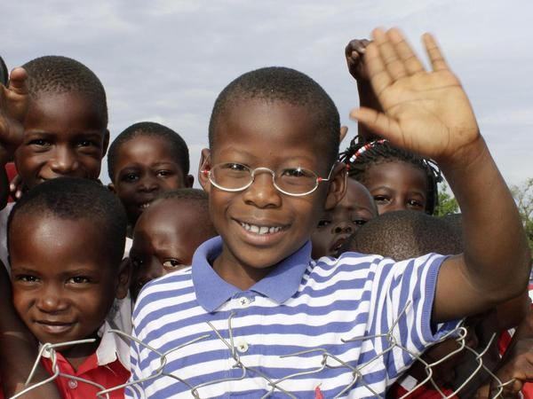 Wie ein Dollar die Sicht auf die Welt verändert: Mit dieser Brille können Kinder besser sehen.