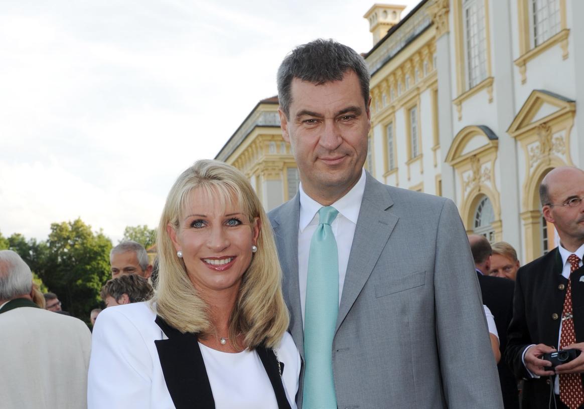 Gehen geschäftlich getrennte Wege: Karin Baumüller-Söder mit ihrem Mann, Finanzminister Markus Söder.