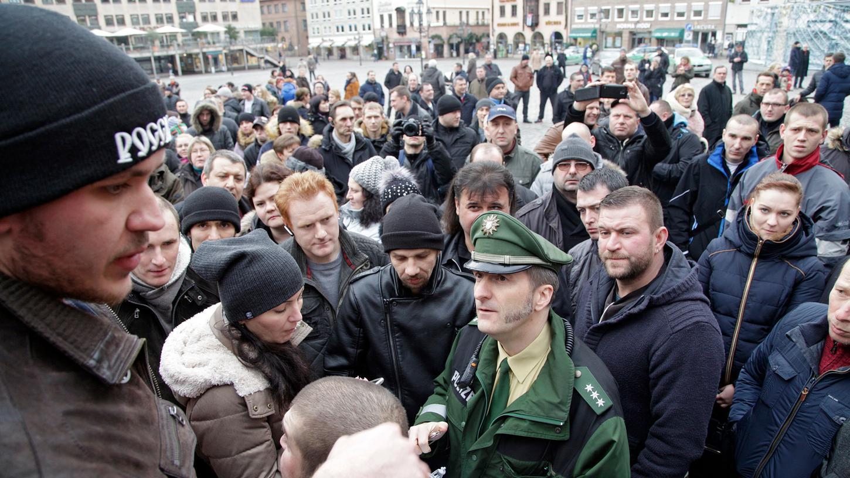 Russlanddeutsche wollen, wie auf diesem Bild vor zwei Wochen, am Sonntag erneut demonstrieren.