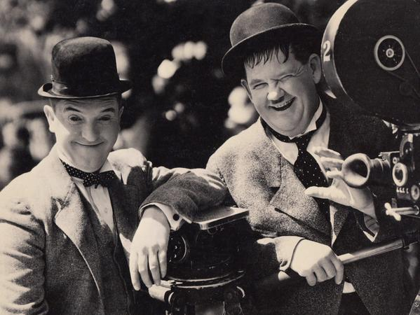 "Humor Stan Laurel und Oliver Hardy als ""Dick und Doof"""