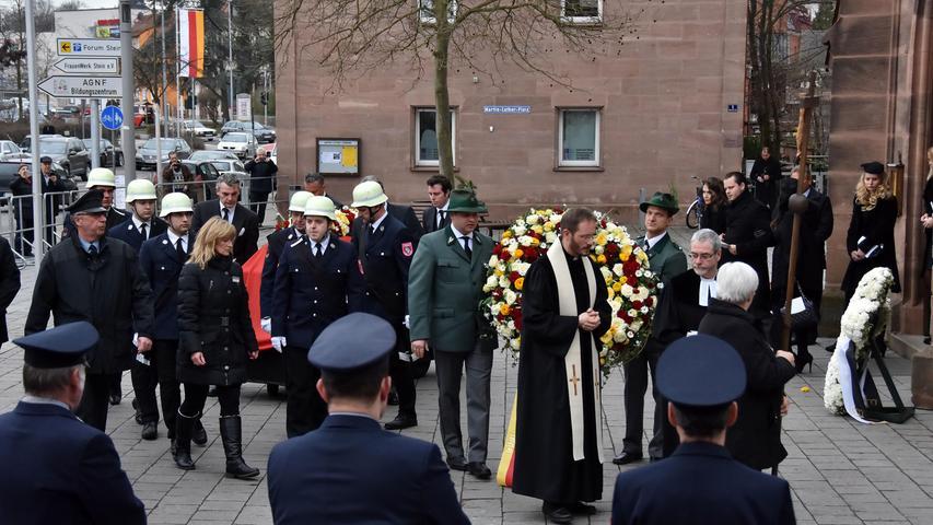 Trauerfeier in Stein: Graf von Faber-Castell beigesetzt