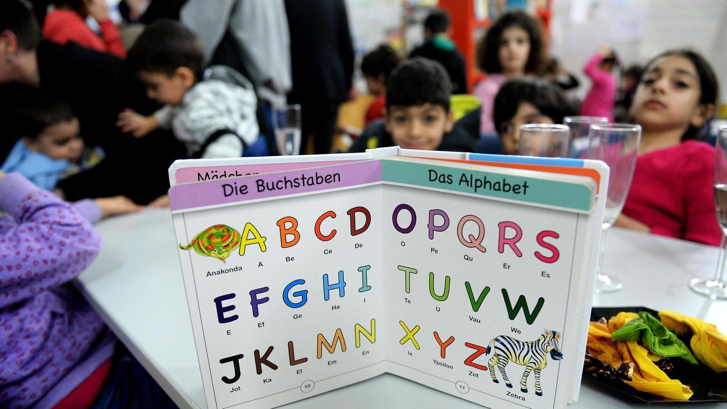 Gleich am ersten Tag haben Kinder die Asylothek in Fürth mit großer Begeisterung angenommen.