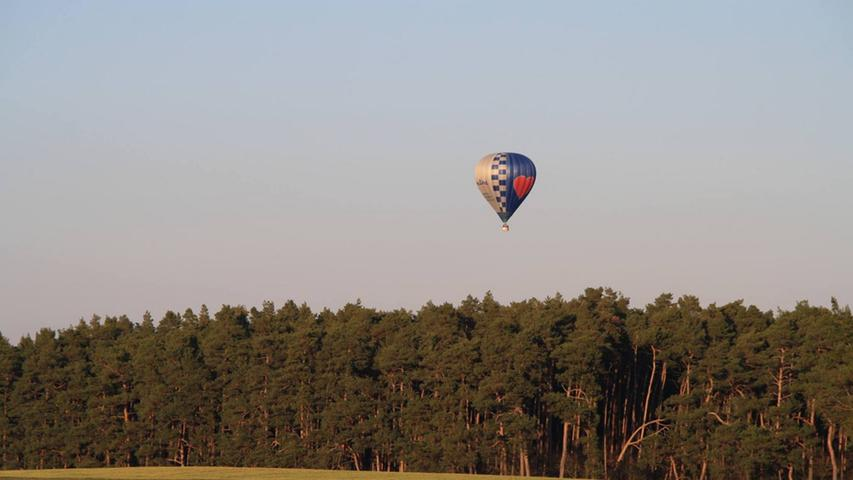 Silke Röttinger hat die Ballons über Deberndorf beobachtet.
