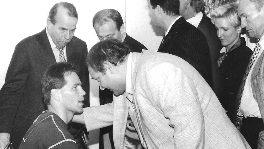 Der Rat von Dr. Walter Wagner war auch in der Kabine von Weltmeister Henry Maske gefragt, als dieser einen Weltmeisterschaftskampf in München bestritt..