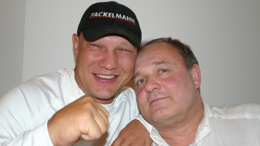 Auch Axel Schulz ließ sich vor seinem WM-Kampf gegen George Foreman in Bayreuth von Dr. Walter Wagner untersuchen.