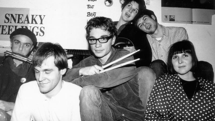 Die Nürnberger Popgruppe Throw that Beat zählte in den 80er und 90er Jahren zu den originellsten Indie-Rockbands in Deutschland; jetzt arbeitet Sänger Klaus Cornfield an einem Comeback.