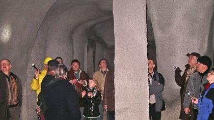 Führung durch das unterirdisches Bamberg: In der «Säulenhalle» ist man am weitesten vom Ausgang entfernt – und kann sich dabei fast wie in einer riesigen Tropfsteinhöhle fühlen.