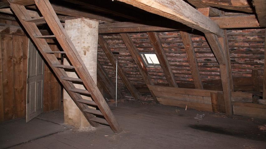 Vor Urzeiten mal eine Ausflugsgaststätte wurde das Sandsteingebäude 1831 als