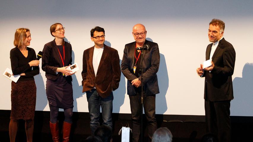 Festivalpräsident Adil Kaya (rechts) mit der Spielfilm-Juroren Mariette Rissenbeek, Dr. Felicitas Kleiner, Miraz Bezar und Michael Aue. Jury-Präsident Dervis Zaim musste bereits vor der Preisverleihung wieder abreisen.