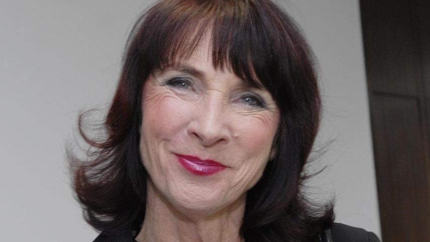 Rosemarie Egelseer-Thurek, CSU-Stadträtin seit 1996, feiert am heutigen Montag ihren 70. Geburtstag. Die professionelle Tanzlehrerin wirkt in der vierten Legislaturperiode im Bau- und Werks-, im Sozial- und Gesundheitsausschuss sowie im Seniorenbeirat. Sie hat sich nie verbiegen lassen, sich zum grünen Gewissen in der Erlanger CSU entwickelt und zuweilen gegen ihre eigene Fraktion gestimmt.