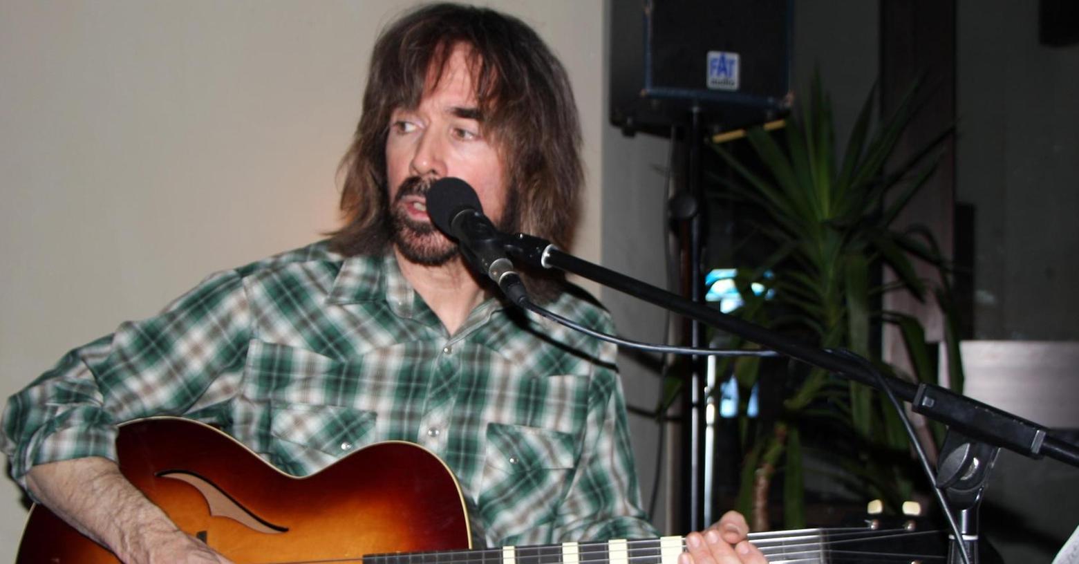 Gitarrist Robert Garson verzauberte zusammen . . .
