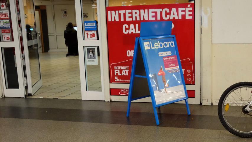 Ihr Handy wird abgehört und Sie brauchen dringend eine neue Nummer? Kein Problem. Im Internetcafé in der Königstorpassage wird Ihnen sicherlich geholfen.