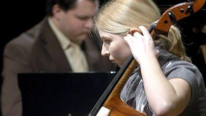Schwelgte in schönen Chopin-Kantilenen: Streichhölzer-Cellistin Elisabeth Lang (mit Klavierpartner Jerome Weiß).