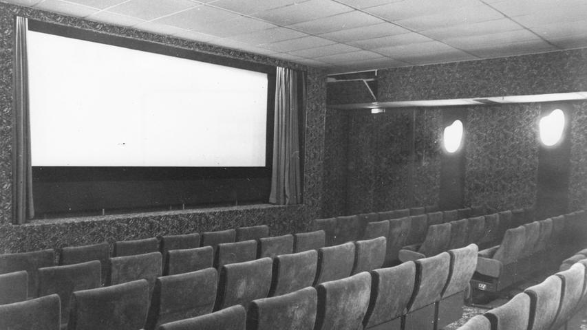 Der Boom ist schon vorbei, als 1977 das Kronprinz-Kinocenter am Stadtpark - das heutige Babylon - die Türen öffnet.