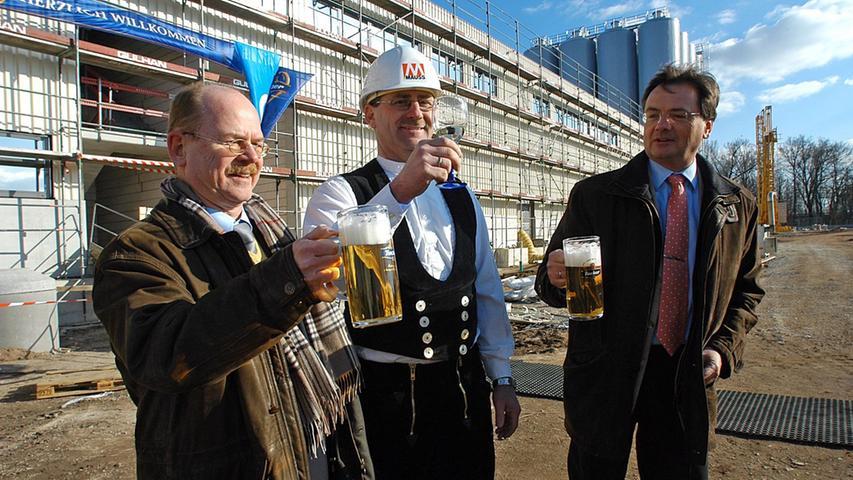 Tucher braute lange auf dem alten Humbser-Areal in der Schwabacher Straße Bier, im Februar 2008 wurde dann der Rohbau des neuen Tucher-Gebäudes fertiggestellt, sieben Monate später wurde es in Betreib genommen.