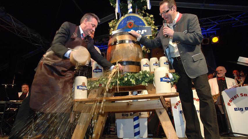 Ozapft is! — wenn der Münchner Oberbürgermeister nach möglichst wenigen Schlägen die magischen Worte spricht, wissen Fernsehzuschauer in aller Welt: Die Wiesn ist wieder gestartet. Angesichts der medienwirksamen Inszenierung des Oktoberfestes wird allerdings vergessen, dass es zwar Zapfhahn heißt, ein Bierfass aber eigentlich angestochen wird. In Franken heißt's deshalb traditio nell