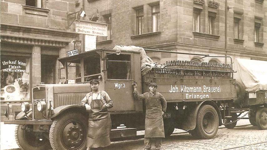 Nach Schließung der Erlanger Braustätten Henninger und Erich profitierte Kitzmann, hier ein LKW der Firma aus dem Jahr 1930, als einziger verbliebener Erlanger Braubetrieb vom Lokalbewusstsein der Erlanger. Den Betrieb gibt es bis heute.