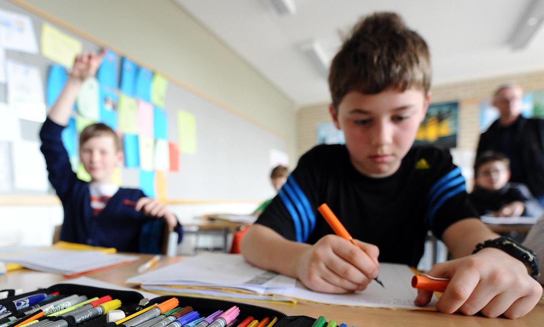 Wie viel Zeit bis zum Abitur sollen die Kinder bekommen? In Bayern wird zurzeit die Mittelstufe Plus erprobt, die den Schülern ein Jahr mehr Raum zum Lernen einräumt. Konkrete Pläne, wie es danach weitergeht, gibt es noch nicht.