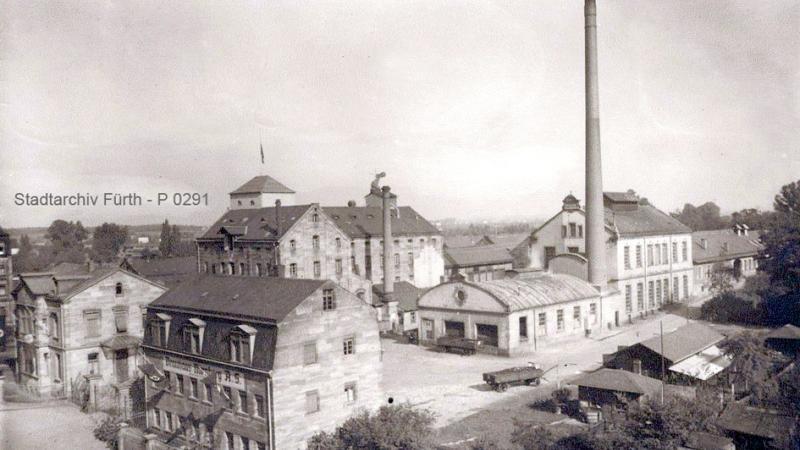 Das Gelände der Evora&Meyer Brauerei in der Erlanger Straße - die Brauerei begann 1873 sehr erfolgreich. Doch die finanziellen Schwierigkeiten führten zum Aufkauf der Braustätte 1921 durch ein Nürnberger Brauhaus.