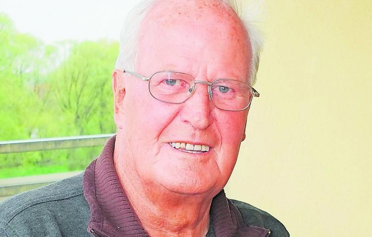 Seine politische Karriere startete Heinrich Heid Mitte der 60er Jahre, als er parteilos für die Freien Wähler in den Heroldsberger Gemeinderat zog. Von 1966 bis 1983 war er dort als Marktrat tätig, ab 1978 als zweiter Bürgermeister. Er gründete einen eigenen CSU-Ortsverband, dessen Vorsitzender er rund 15 Jahre lang war. 1970 wurde Heinrich Heid in den Bezirkstag von Mittelfranken gewählt, dem er fast 30 Jahre angehörte. Als Kreisrat des Landkreises Erlangen-Höchstadt war er von 1972 bis 2002 tätig.  Volles Engagement zeigte Heid auch bei seinen Tätigkeiten und Ämtern auf sportlicher Ebene. Schon 1965 wurde er Verwaltungsmitglied im Tuspo Heroldsberg, dessen 1. Vorsitzender er von 1973 bis 1987 war. In dieser Zeit plante und baute er das Sportzentrum mit bis zu neun Abteilungen, die Mitgliederzahl stieg dabei von 600 auf 1500. Für den BLSV in Mittelfranken war Heid außerdem lange Jahre stellvertretender Bezirksvorsitzender sowie zuerst 2. Kreisvorsitzender des BLSV ERH und zuletzt 20 Jahre Kreisvorsitzender.  Mit zahlreichen Ehrungen und Auszeichnungen wurden die ehrenamtlichen Tätigkeiten honoriert, unter anderem dem Verdienstkreuz am Bande des Verdienstordens der Bundesrepublik Deutschland und dem Bundesverdienstkreuz 1. Klasse. 2002 erhielt Heinrich Heid die Ehrenbürgerwürde seiner Heimatgemeinde verliehen.