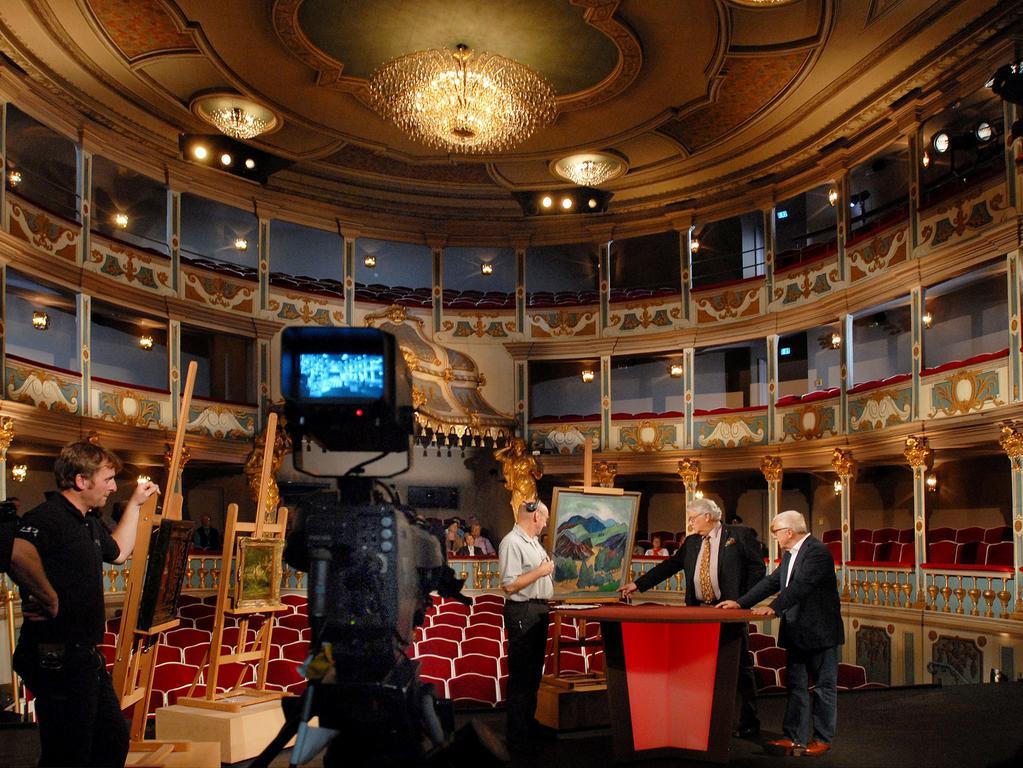 Auch der Bayerische Rundfunk nutzt schon mal die Kulisse des Markgrafentheater, hier für die Serie