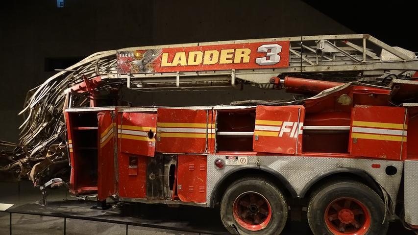 Verletzlich: zerstörte Drehleiter im 9/11 Memorial.