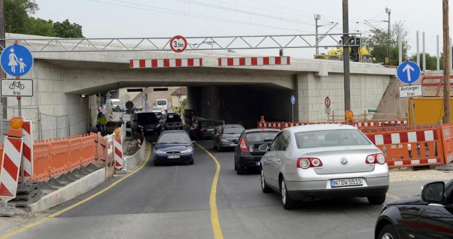 Bis Mitte August ist wieder zweispuriger Verkehr auf der Martinsbühler Straße möglich.