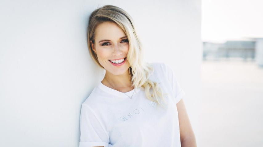 Vanessa Meisingers Fernsehkarriere begann mit der Teilnahme an der Castingshow Popstars im Jahr 2009, die sie schließlich gewonnen hat. Auch wenn das Siegerduo