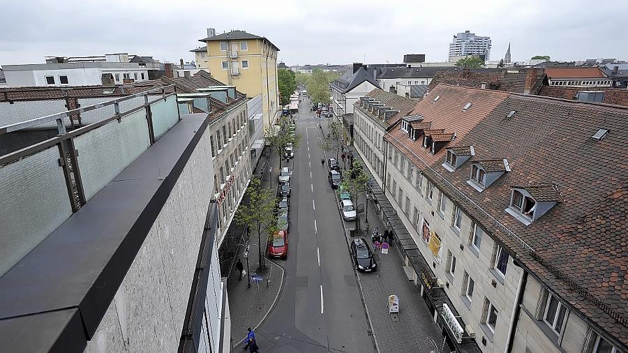 Links und rechts der Breitscheidstraße sollen neue Geschäfte entstehen, doch das Procedere sorgt für Streit.