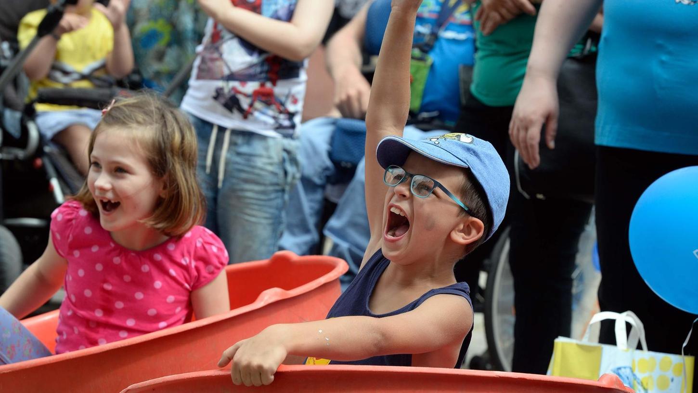 Juchzen und lachen sollen die Kinder auch heuer wieder beim Weltspieltag in der Fußgängerzone. Am kommenden Samstag gibt es dort von 13 bis 16 Uhr viele verschiedene Spiele und jonglierende Clowns.