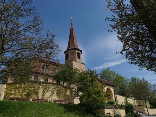 FOTO: Tina Ellinger; 13.05.2016; AB MOTIV: Portraet Pfofeld   Blick auf die Kirche