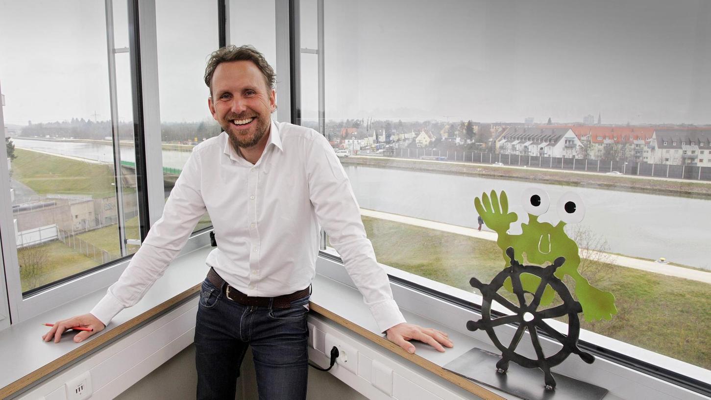 Crowdfunding begeistert Leibrecht. In seiner Agentur im städtischen Gewerbehof Complex mit Blick auf den Main-Donau-Kanal berät er Gründer und unterstützt Projekte.