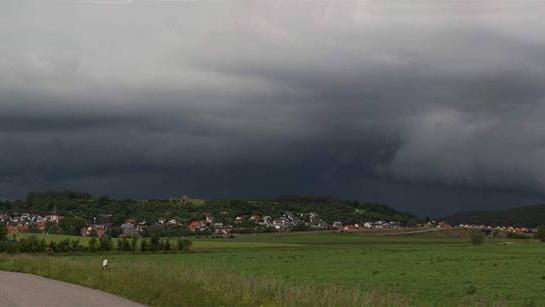 Auch über Lehrberg braute sich das Unwetter zusammen.