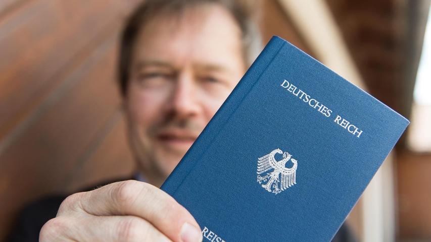 BRD-GmbH & Co.: Das krude Weltbild der Reichsbürger