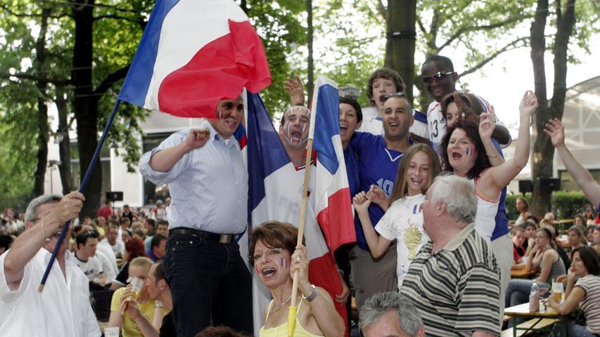 FOTO: Eduard Weigert..WMNürnberg..WM Finale im Lederer Biergarten..Französische Fans