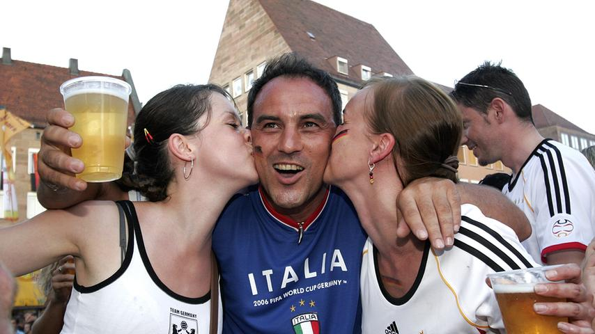 RESSORT: Lokales / Politik..DATUM: 04.07.06..FOTO: Michael Matejka ..MOTIV: WM-Spiel: Deutschland - Italien / Hauptmarkt..